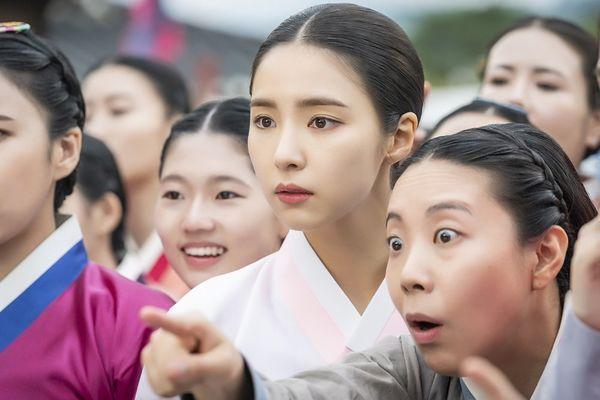 """Tạo hình của Shin Se Kyung trong """"Rookie Historian Goo Hae Ryung"""" 3"""