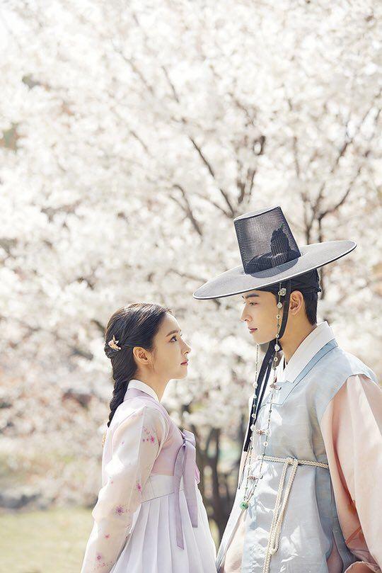 """Tạo hình của Shin Se Kyung trong """"Rookie Historian Goo Hae Ryung"""" 5"""