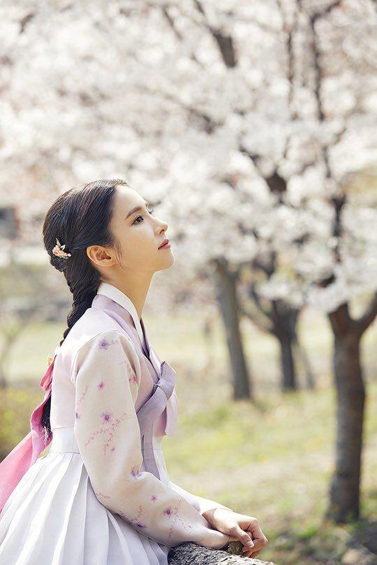 """Tạo hình của Shin Se Kyung trong """"Rookie Historian Goo Hae Ryung"""" 6"""