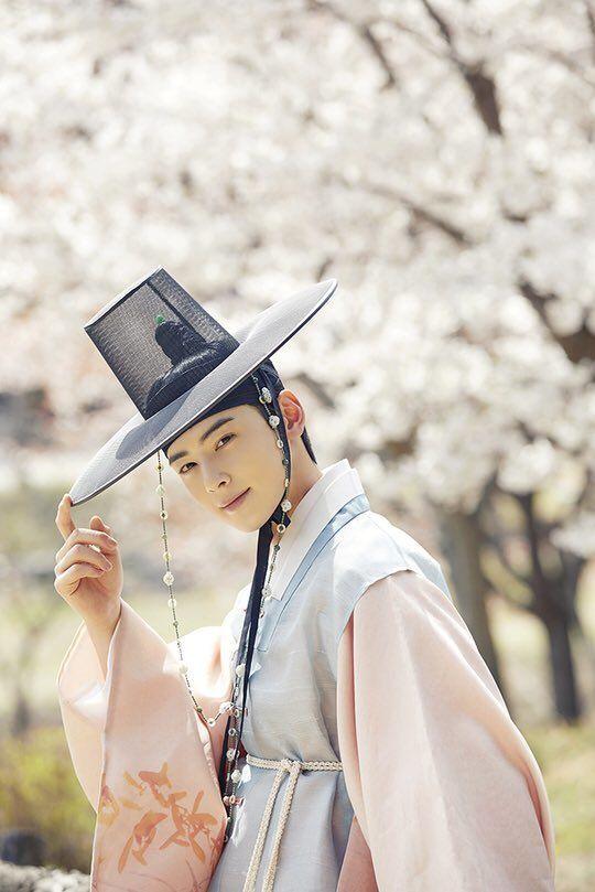 """Tạo hình của Shin Se Kyung trong """"Rookie Historian Goo Hae Ryung"""" 7"""