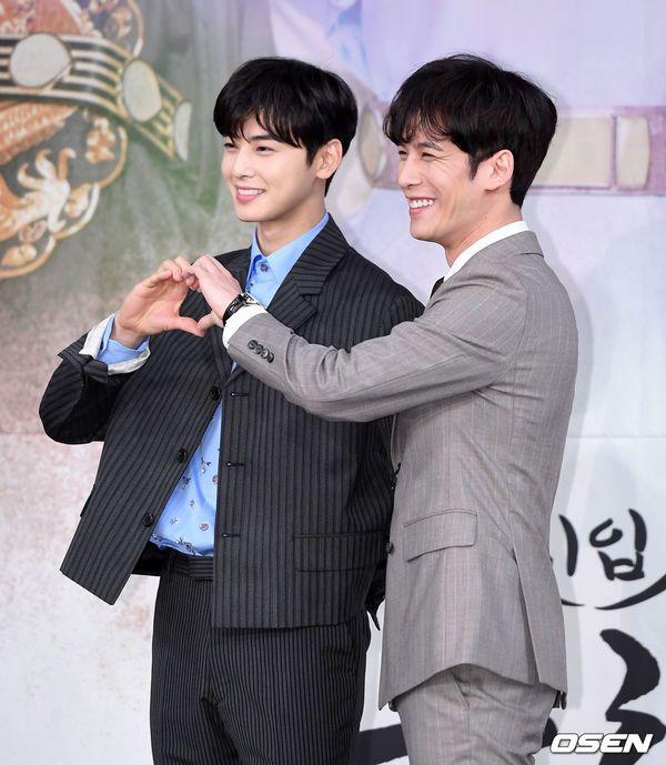 """Dàn diễn viên tham gia họp báo ra mắt """"Rookie Historian Goo Hae Ryung""""17"""