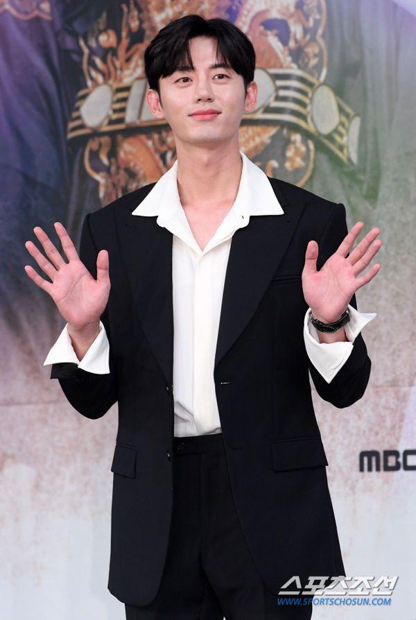 """Dàn diễn viên tham gia họp báo ra mắt """"Rookie Historian Goo Hae Ryung""""9"""