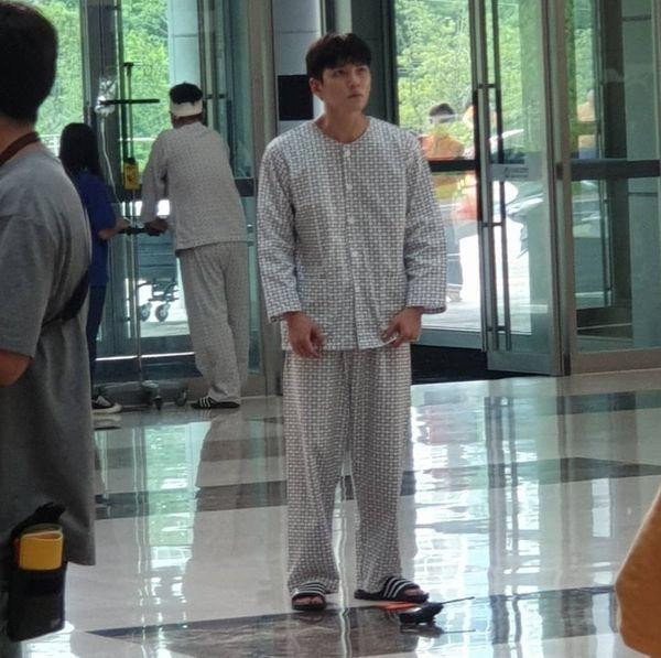 """""""Melting Me Softly"""" của Ji Chang Wook lộ ảnh phim trường đầu tiên 4"""