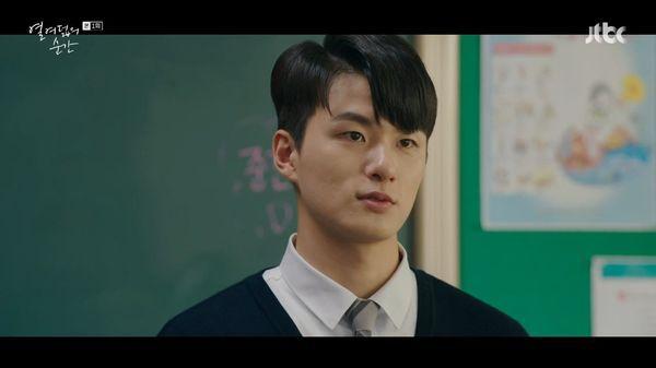 """Rating phim Hàn 22/7: """"Moments of 18 - Khoảnh Khắc Tuổi 18"""" khá cao 2"""