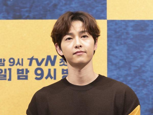 """Song Joong Ki bắt tay vào quay """"Lightning Ship"""" bắt đầu từ ngày 3/7 7"""