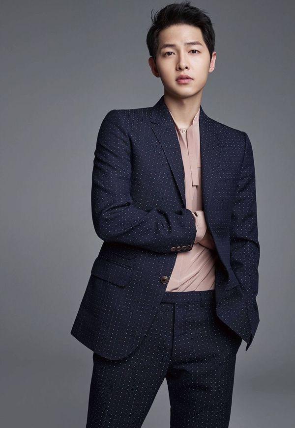 """Song Joong Ki bắt tay vào quay """"Lightning Ship"""" bắt đầu từ ngày 3/7 9"""