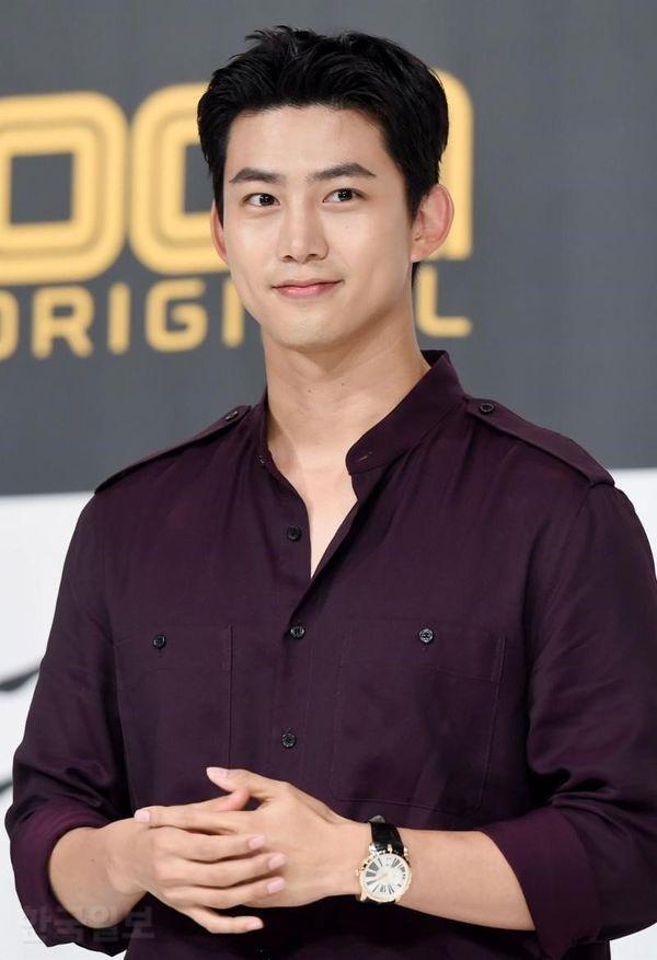 """Taecyeon (2PM) trở lại với phim """"The Game"""" dự lên sóng tháng 1/2020 2"""