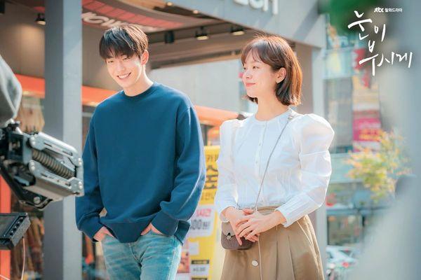 Top phim Hàn hay và có cặp đôi chính chênh lệch chiều cao đáng yêu 6