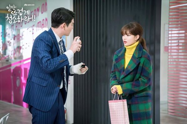 Top phim Hàn hay và có cặp đôi chính chênh lệch chiều cao đáng yêu 9