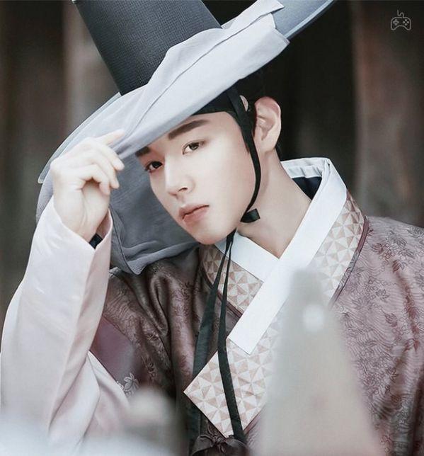 """Có nên xem """"Flower Crew: Joseon Marriage Agency"""" của Park Ji Hoon? 7"""