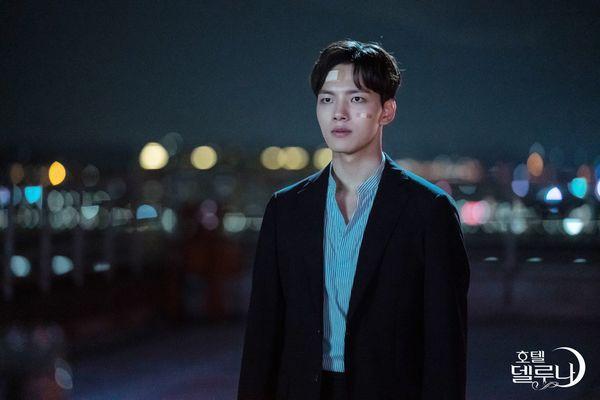 "Kim Soo Hyun sẽ làm cameo trong tập cuối của ""Hotel Del Luna"" 4"