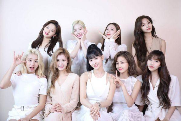 Chính thức: Dàn lineup nhóm nhạc, diễn viên tham gia AAA 2019 Việt Nam15