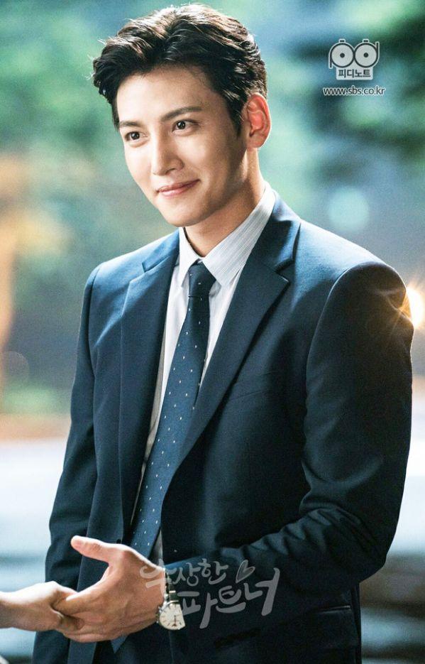 Chính thức: Dàn lineup nhóm nhạc, diễn viên tham gia AAA 2019 Việt Nam 8