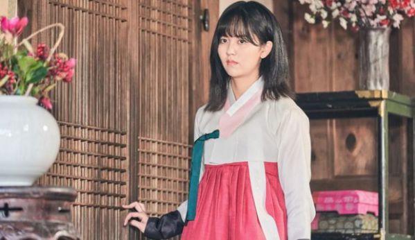 """Hóa ra Kim So Hyun cắt tóc ngắn trong """"The Tale of Nokdu"""" là vì?3"""