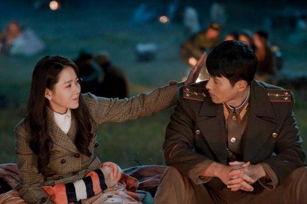 """""""Crash Landing On You"""" tung teaser tuyệt đẹp của Hyun Bin và Son Ye Jin 13"""