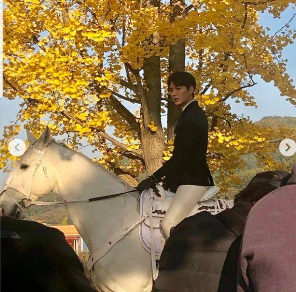"""Hình ảnh đầu tiên của Lee Min Ho trong """"The King: The Eternal Monarch"""" 8"""
