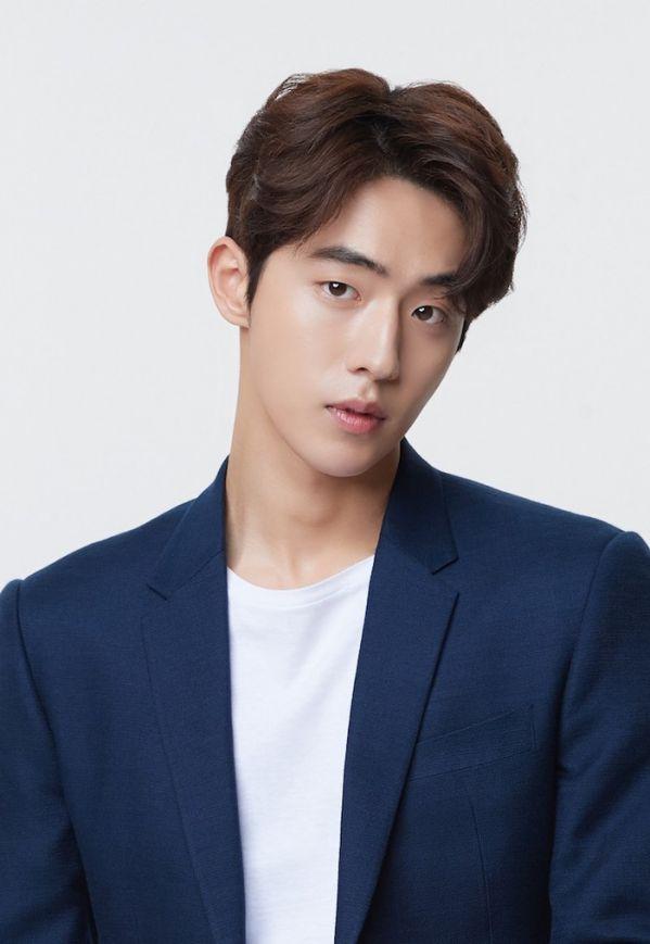 """Phim """"Here"""" có Lee Byung Hun, Han Ji Min, Nam Joo Hyuk tham gia 5"""