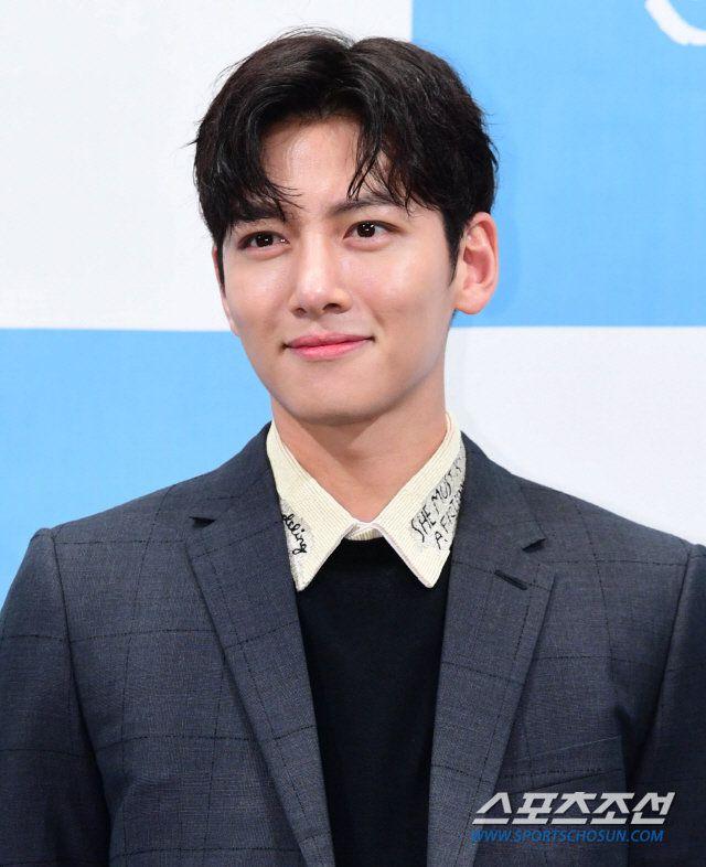 """""""Convenience Store Saet Byul"""" do Ji Chang Wook và Kim Yoo Jung đóng? 5"""