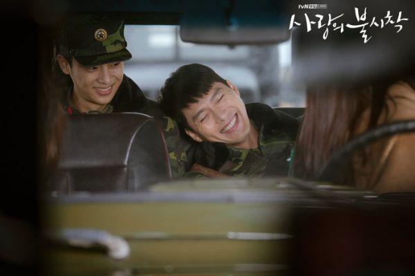"""Tập 10 """"Hạ Cánh Nơi Anh"""" đạt rating choáng váng vì Kim Soo Hyun 10"""