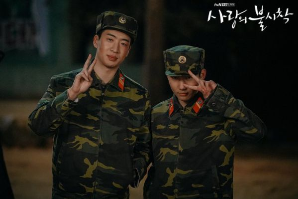 """Tập 10 """"Hạ Cánh Nơi Anh"""" đạt rating choáng váng vì Kim Soo Hyun 11"""