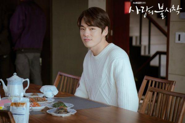 """Tập 10 """"Hạ Cánh Nơi Anh"""" đạt rating choáng váng vì Kim Soo Hyun 12"""