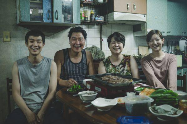 Top 11 bộ phim lẻ Hàn Quốc hay nhất và gây sốt nhất năm 2019 22
