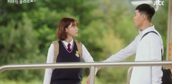 """Tại sao phải xem ngay bộ phim gây nghiện """"Tầng Lớp Itaewon""""? 2"""
