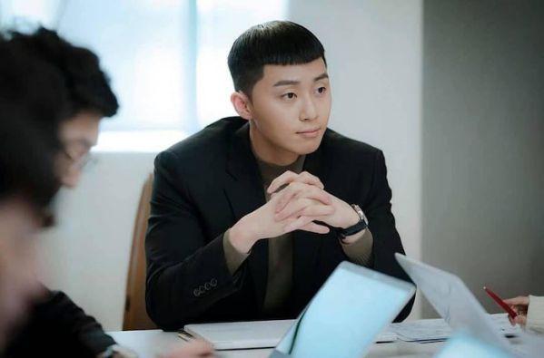 """4 bài học đắt giá sau khi xem xong cái kết đẹp của """"Itaewon Class"""" 8"""