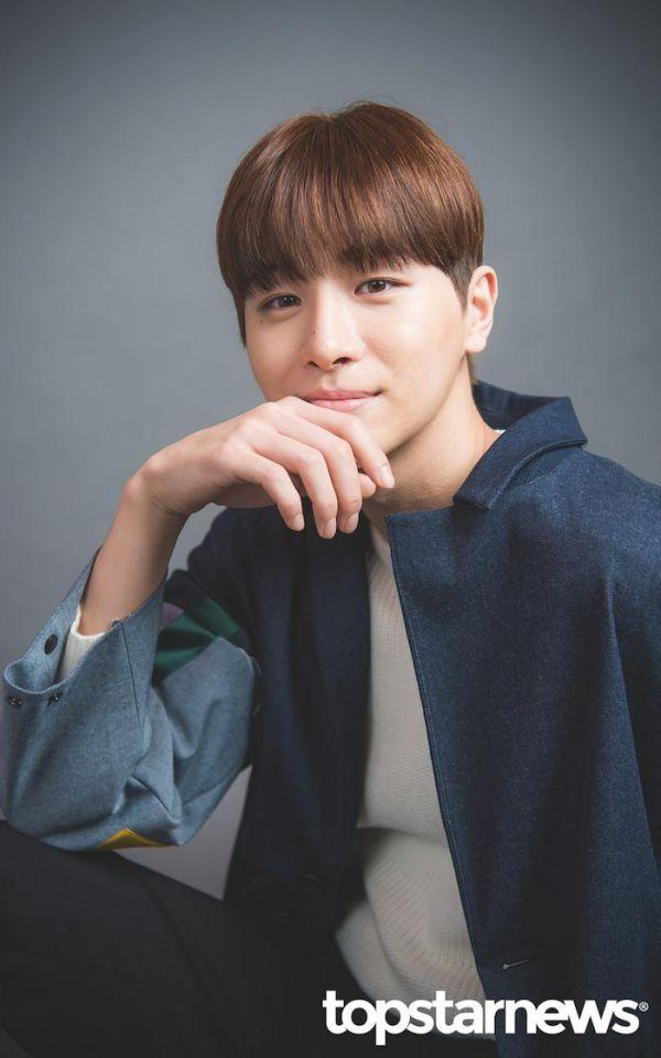 """Dàn diễn viên trong phim """"Twenty-Twenty"""" của Kim Woo Seok (X1)8"""