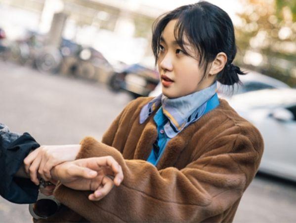 """Tạo hình của Lee Min Ho và Kim Go Eun trong """"Quân Vương Bất Diệt"""" 2"""