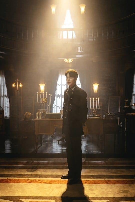"""Tạo hình của Lee Min Ho và Kim Go Eun trong """"Quân Vương Bất Diệt"""" 6"""