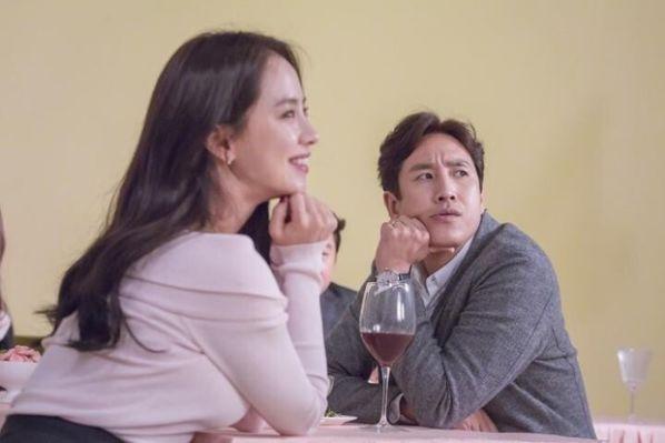 8 phim Hàn hay nhất về đề tài ngoại tình, không xem hơi phí 5