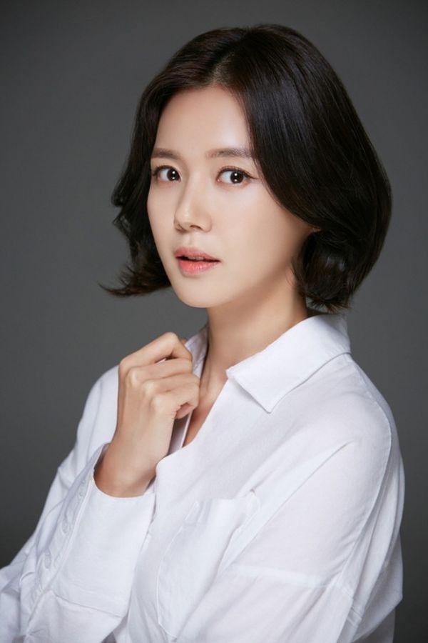 """Phim Hàn mới sắp sóng tháng 4/2020: Hóng nhất bom tấn """"Quân Vương Bất Diệt""""22"""