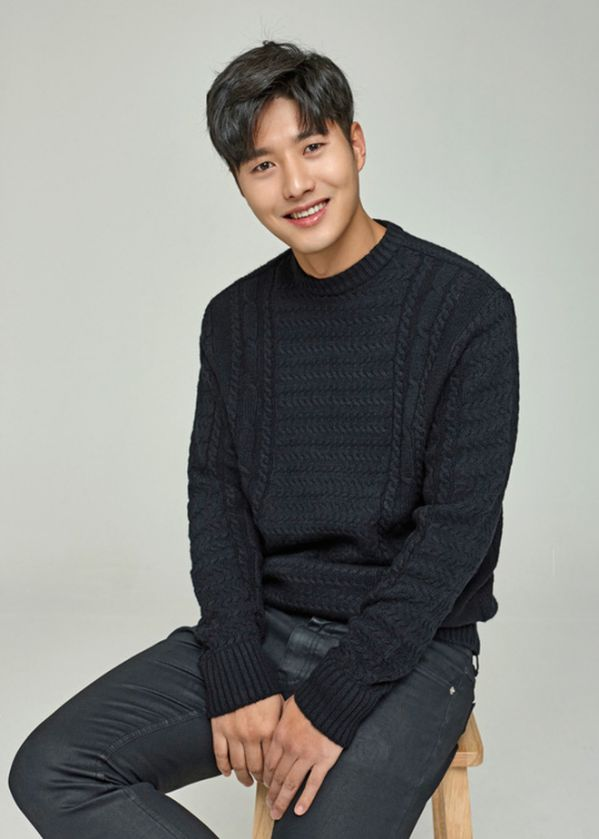 """Phim Hàn mới sắp sóng tháng 4/2020: Hóng nhất bom tấn """"Quân Vương Bất Diệt""""23"""