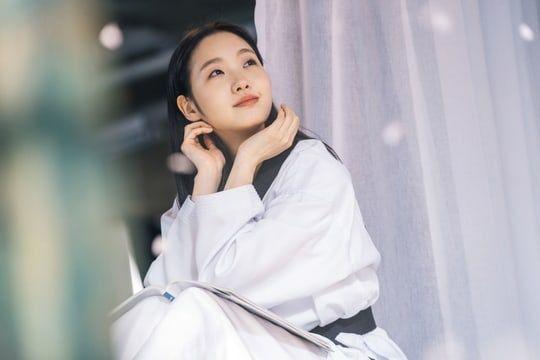 """Tạo hình ngọt ngào của Kim Go Eun trong """"Quân Vương Bất Diệt"""" 4"""