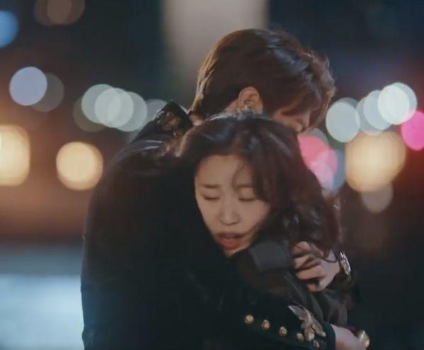 """Tạo hình ngọt ngào của Kim Go Eun trong """"Quân Vương Bất Diệt"""" 6"""