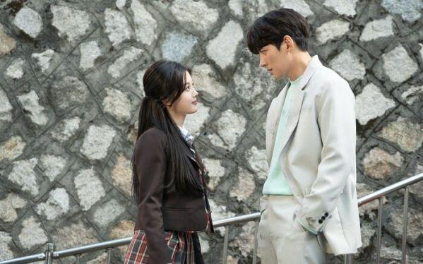 """""""Backstreet Rookie"""" tung thêm ảnh của Ji Chang Wook, Kim Yoo Jung 1"""