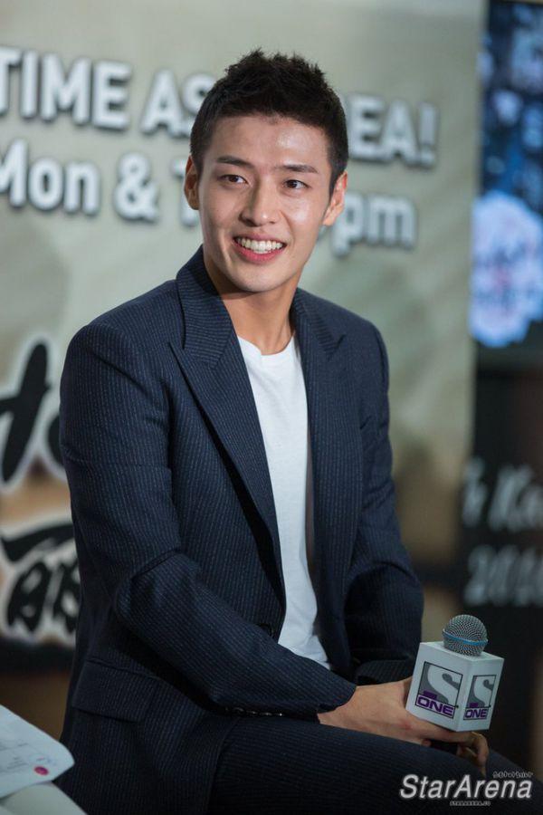 """Dàn diễn viên chính thức của """"The Pirates 2"""": Sehun, Lee Kwang Soo...3"""
