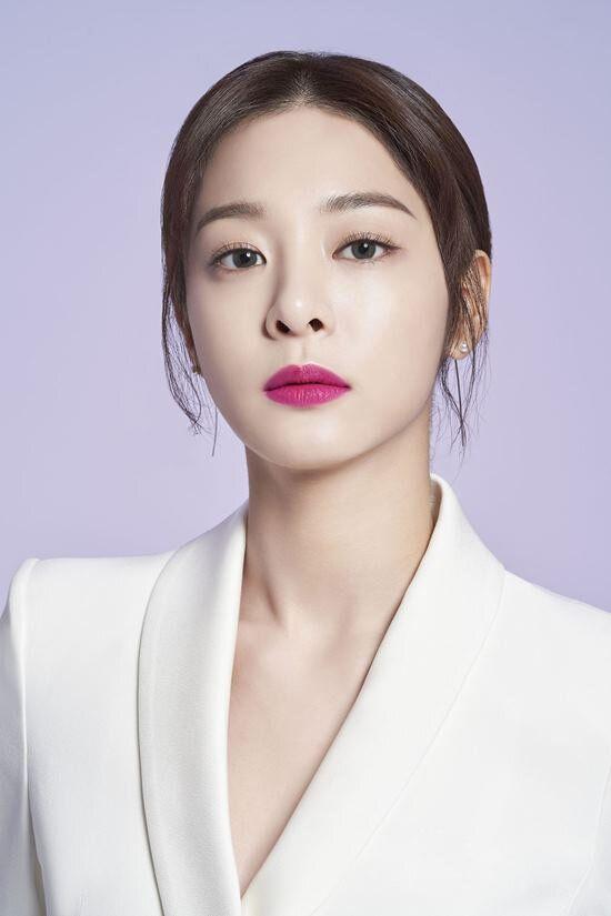"""Seol In Ah đóng vai bạn gái của Park Bo Gum trong """"The Moment""""3"""