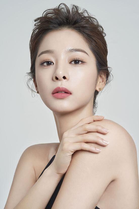"""Seol In Ah đóng vai bạn gái của Park Bo Gum trong """"The Moment""""4"""