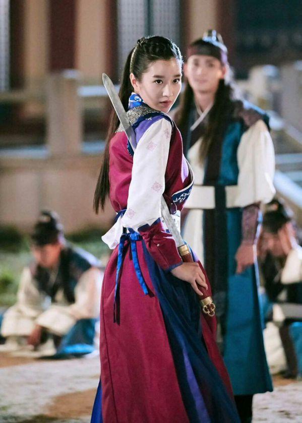 """Tất cả về Seo Ye Ji nữ chính trong """"Điên Thì Có Sao"""" mà bạn cần biết 13"""