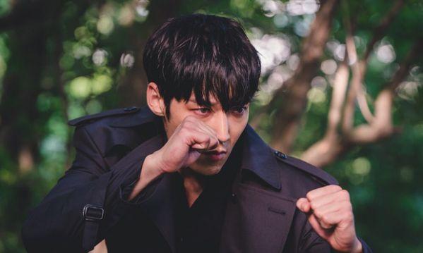 "Phim ""Zombie Detective"" của Choi Jin Hyuk tung Poster gây sốt 1"