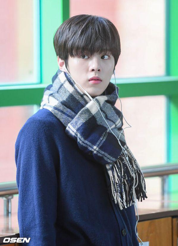 """Ảnh hậu trường siêu đẹp của Kim Woo Seok (X1) trong """"Twenty Twenty""""1"""