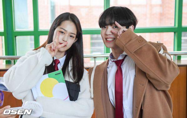 """Ảnh hậu trường siêu đẹp của Kim Woo Seok (X1) trong """"Twenty Twenty""""9"""