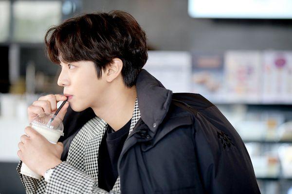 """Kim Yoo Jung đóng chính cùng Ahn Hyo Seop trong """"Hong Chun Gi""""?7"""