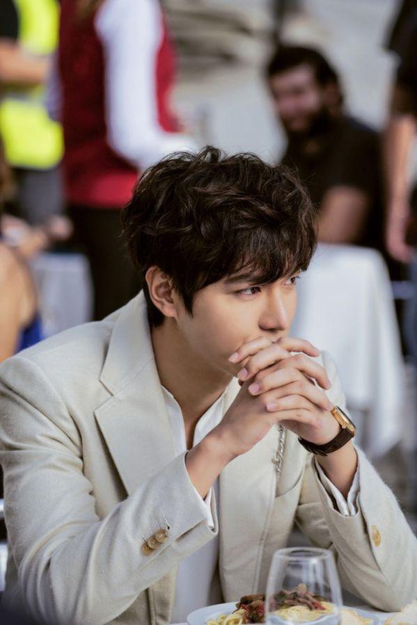 """Lee Min Ho trở lại với sự án """"Pachinko"""", fan lại có phim xem rồi! 2"""