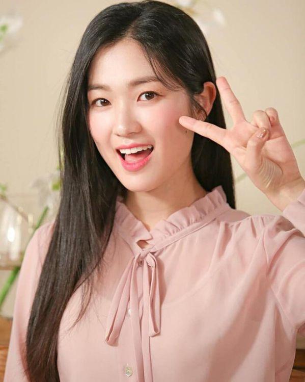"""""""Snowdrop"""" chốt sổ dàn diễn viên chính thức: Jisoo, Jung Hae In, Kim Hye Yoon 8"""
