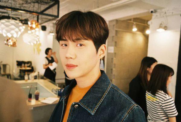 """Tất tần tật về Kim Seon Ho - Chàng nam phụ gây sốt trong """"Start Up""""4"""