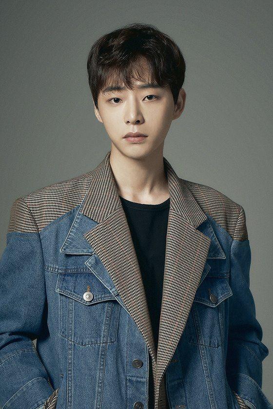 """Tìm hiểu dàn diễn viên trong phim """"Youth"""" dựa trên câu chuyện về BTS 10"""