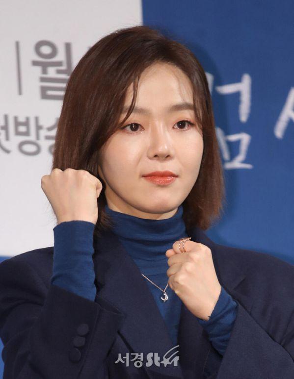 """Kim Rae Won, Lee Jong Suk, Cha Eun Woo cùng tham gia """"Decibel""""6"""